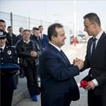 Így dicsérte agyon Szijjártó Pétert a szerb külügyminiszter