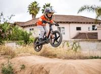 Elektromos futóbiciklivel nyűgözi le a kicsiket a Harley-Davidson
