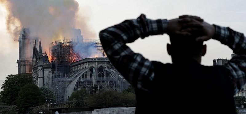 Elemésztik a lángok Párizs ékkövét – galéria