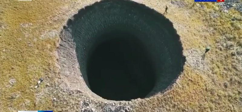 Találtak egy 50 méteres krátert Szibériában, és ez nagyobb baj, mint gondolná