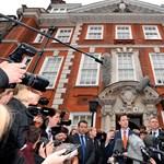 Tojással dobálta meg egy egyetemista a brit miniszterelnök-helyettest