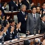 Exit poll: kétharmadot kapott a japán kormánykoalíció
