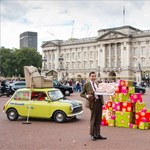 Minivel és mackóval ünnepelte 25. évfordulóját Mr. Bean - fotók