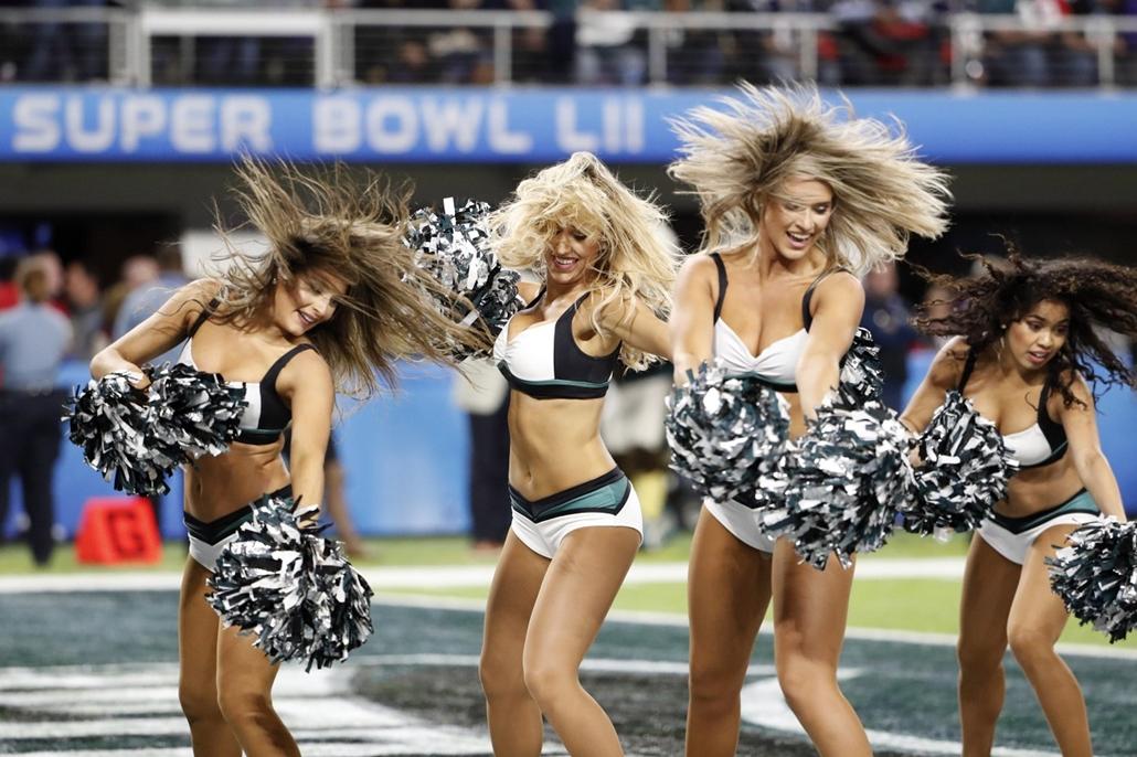 epa.18.02.04. - Minneapolis, USA: Az 52. alkalommal megrendezett Super Bowl döntőjén a minneapolisi U.S. Bank Stadionban 2018. február 4-jén. - amerikaifutball, amerikai foci, nfl