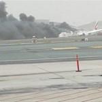 Repülőbaleset Dubajban: kigyulladt az Emirates gépe