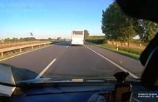130-cal döngető szerb autóbuszt videóztak az M5-ösön
