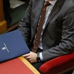 Rogán: Komolyan gondolta a kormány a junckeres plakátokat