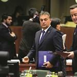 London hallgat a lengyel balhéról, de brit média tele van a Cameront ért inzultusokkal