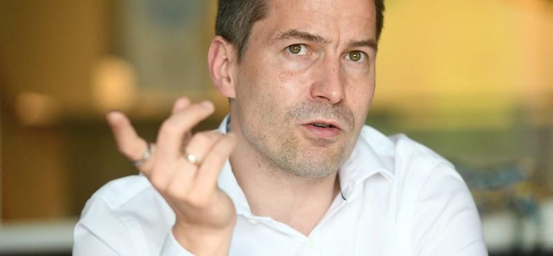 Krekó Péter: Európában példátlan, hogy a kormány legyen az álhírek fő forrása