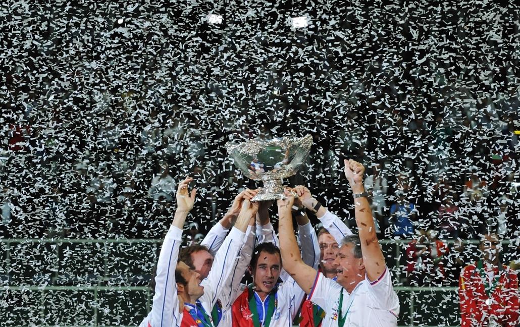 2012. november 18. - Prága, Cseh Köztársaság: a spanyolokkal vívott hatalmas küzdelem után végül a cseh férfiválogatott nyerte Davis-kupa döntőjét - immáron második alkalommal. - évsportképei