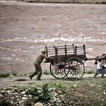 Tragikus fotók a falvakat elsodró indiai árvízről