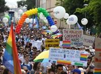 Leköptek és megrugdostak egy férfit a Budapest Pride után