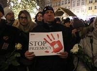 Lemondott az a lengyel politikus, aki gyűlöletkampányt irányított bírák ellen