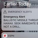 Lehet ennél kínosabb? Kiderült, miért reagált lassan a rakétatámadós üzenetre Hawaii kormányzója