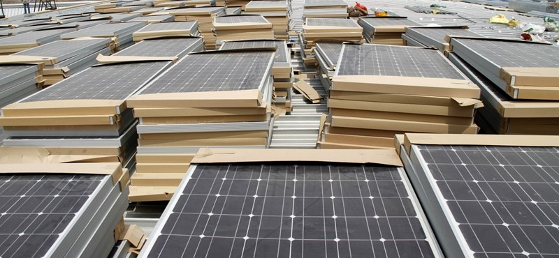 Lepacsiztunk a kínaiakkal: drágább lesz a napelem