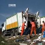 Tíz kukásautó kellett egy illegális szeméthegy eltüntetéséhez Óbudán