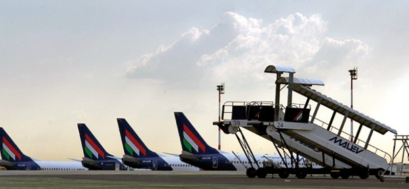 Figyelmeztető sztrájkot tartanak csütörtökön a repülőtéri dolgozók
