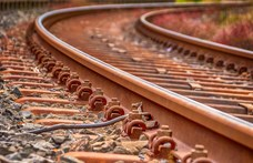 Vonat és autó ütközött össze Kecskemét mellett