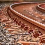 Avartűz miatt leállt a vasúti forgalom a Budapest-Békéscsaba vonal egy szakaszán