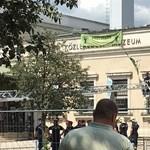 Leszedték a ligetvédő aktivistákat a közlekedési múzeumról - fotók, videók