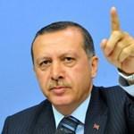 Halló! Akkor most Törökországban is fülkeforradalom volt?