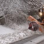 Figyelmeztetik az autósokat: újra havazik