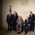 Fotó: együtt mosolygott az összes élő amerikai elnök