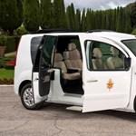 Elektromos Renault-pápamobilt kapott XVI. Benedek