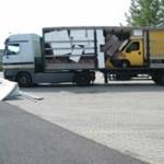 Fotó: Kamionban szállították a lopott kisteherautót