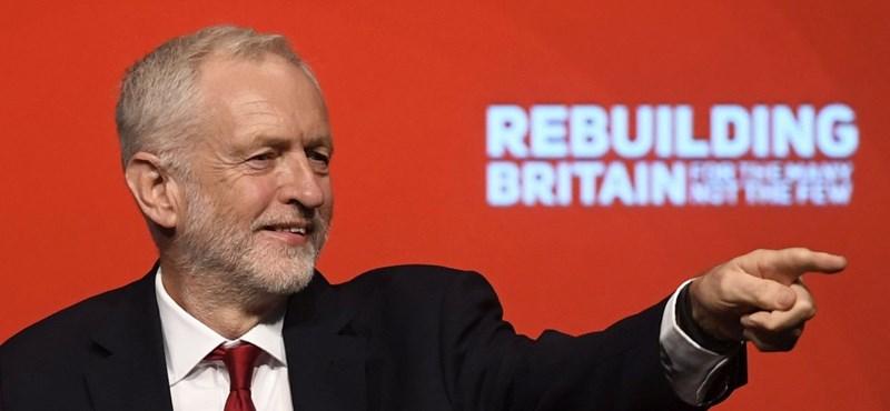 Szakad a brit Munkáspárt? Hét képviselő lépett ki belőle