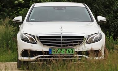 Teszten a zöld rendszámos és 1300 km-es hatótávú Mercedes
