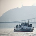 Fotógaléria: megérkezett Budapestre az ország legnagyobb jégtörője