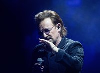Bono a kormánypárti sajtóban lassan botfülű pedofillá válik