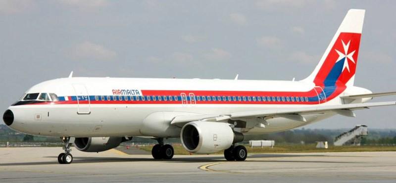 Gyönyőrű repülőgépek landoltak ma Ferihegyen - fotók