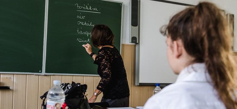 Humbug, hogy el lehet venni a tanár szabadságát, de meg lehet nyomorítani például portfólióírással