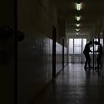 Hét vizsgált egészségügyi intézmény mindegyikénél hibát találtak