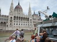 Ömlik az adófizetők pénze a turizmusba