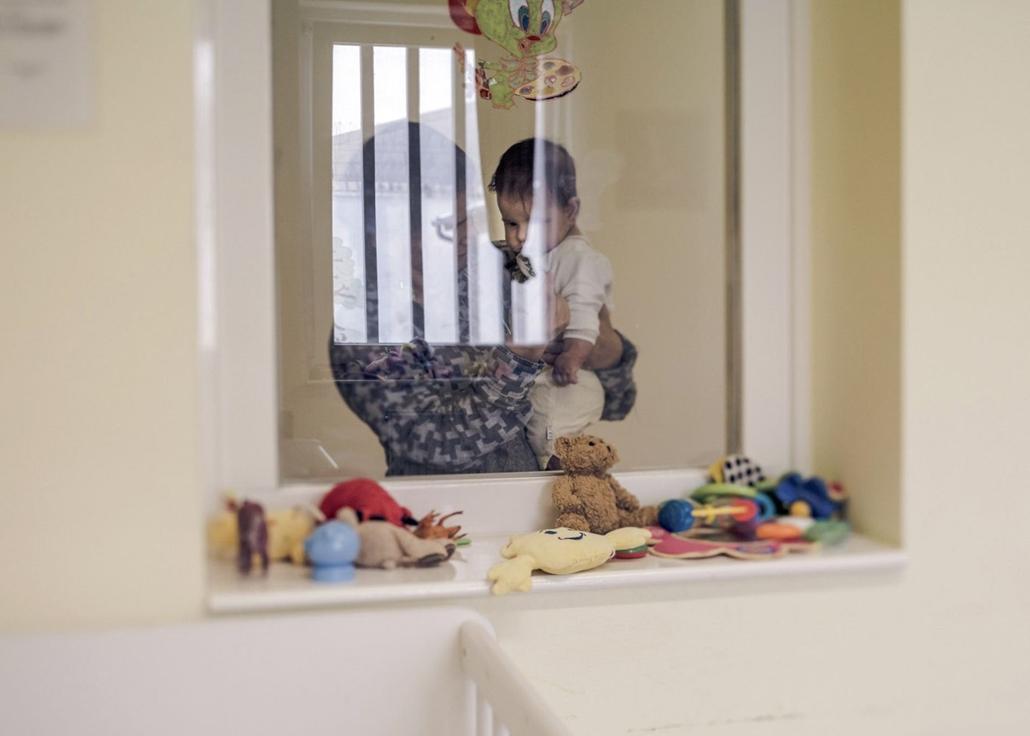 e! Hartyányi Norbert: Ártatlanul a rácsok mögött - Gyermekkel a börtönben hemző díj 2018