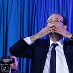 """Hollande: """"többek vagytok, mint egy nép"""""""