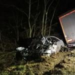 Kamion ütközött személyautóval Ajkánál, egy ember meghalt