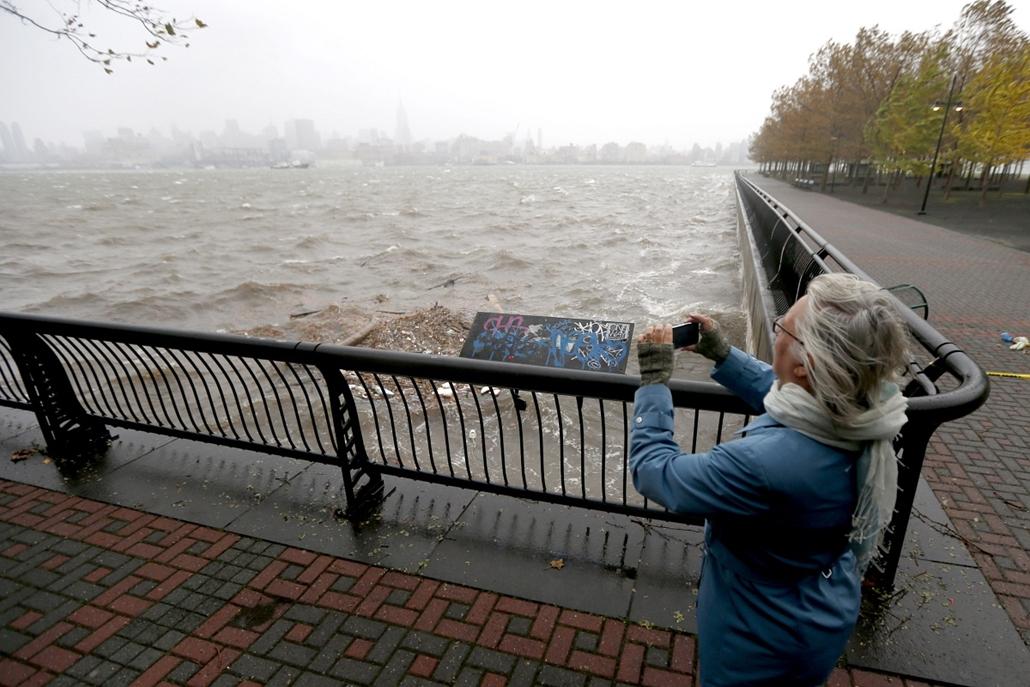 Sandy - közeledik a hurrikán