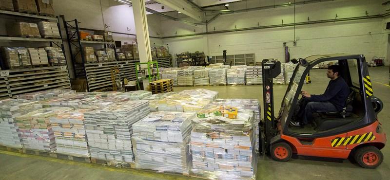Itt a karácsonyi munkaerőhiány, már 400 ezret is lehet keresni raktárosként