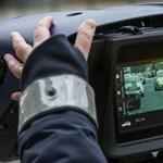Megszólalt a rendőrség: cserélni fogják a civil elfogó autókat és bankkártyával is lehet fizetni