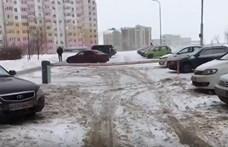 Honnan tudja egy orosz autós, hogy igazán hideg van? – videó