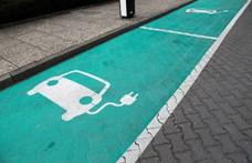 Közel 13 ezer autón van már zöld rendszám