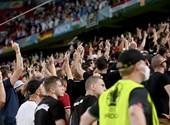 Los húngaros corearon rimas anti-gay en cada partido de Hungría, por lo que la UEFA sancionó