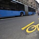A buszsáv mellett kódolva van a biciklisgázolás