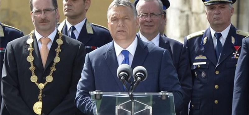Orbán szerint nálunk rend van, Európában meg rendetlenség