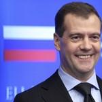 Medvegyev szerint csak ideiglenesen maradnak az orosz csapatok Szíriában