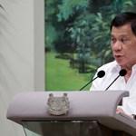 A Fülöp-szigeteki elnök végignézte másfél milliárd forint értékű autó szétzúzását